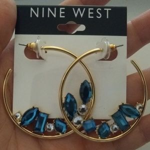 Nine West hoop earring set